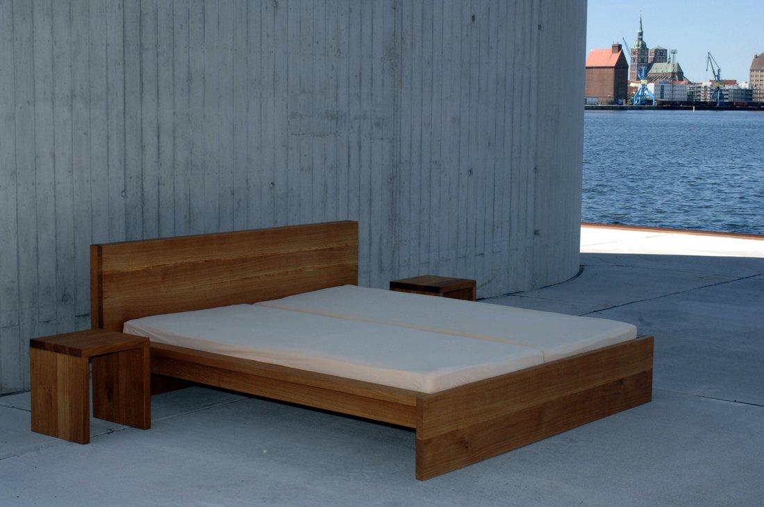 Massivholzbetten design  Bett Design Betten Design Preis Preise Lattenrost Tische massiv ...